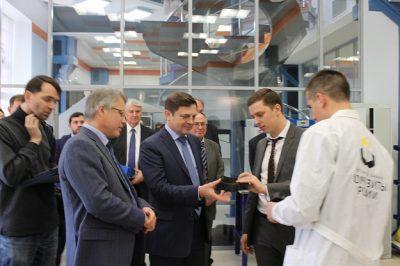 Глава Роскосмоса посетил МИЦ КМ