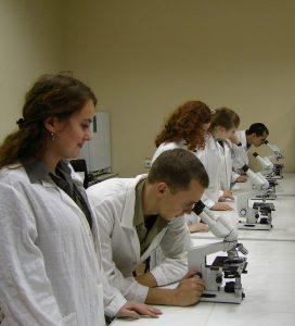 Лаборатории инжинирингового центра «Композиты России» открылись для практических занятий студентов