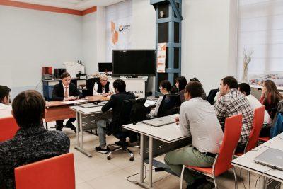 Владимир Нелюб встретился с магистрантами МИЦ «Композиты России»