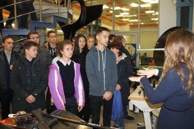 Будущие студенты МГТУ посетили МИЦ «Композиты России»