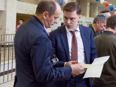 Владимир Нелюб посетил выставку «Политехника» и ознакомился с проектами студентов МГТУ