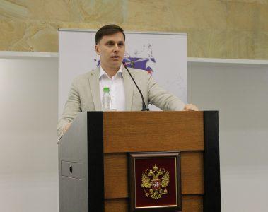 Владимир Нелюб рассказал о подготовке кадров нового времени в «Композиты России»