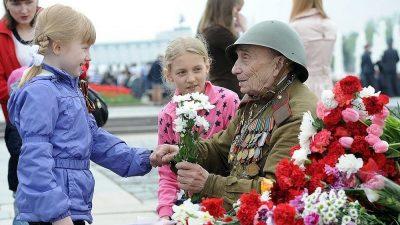 Команда «ИНЖИНИРИУМ» сердечно поздравляет всех с Днем Победы!