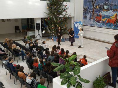 Новогодний квест прошел для учащихся школ Софии